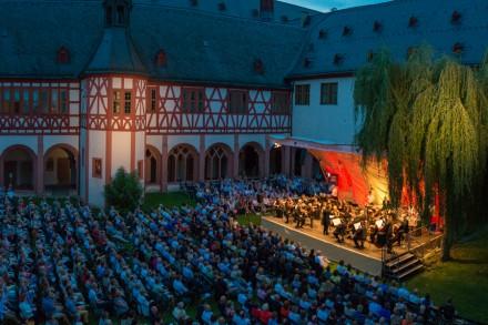 Jetzt wirklich Nacht in Kloster Eberbach. Foto: Markus Kohz, cross-effects
