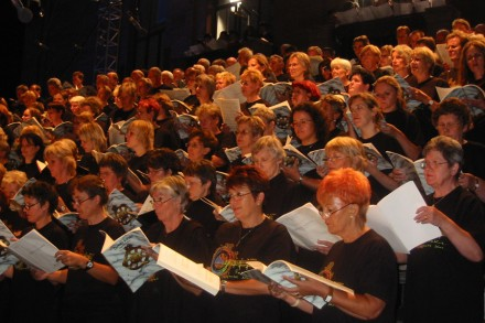 Europa Cantat, Festival der Chöre, Carmina Burana auf dem Theaterplatz in Mainz. Foto: bst